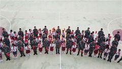 學生代表參觀北部戰區某海防旅船艇大隊 共同紀念建黨98周年