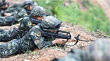 俯角射击训练。