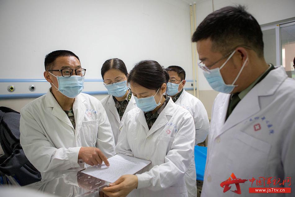 刘玮和990医院专家开展流调