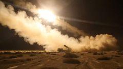 【第一军视】远程火箭炮实弹射击 道道火光撕破夜空
