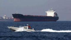 英国为何扣留伊朗油轮?李莉:美国授意