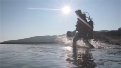 水下排雷难度有多大?记者亲自潜水体验反水雷蛙人的基础课目