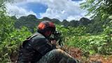特战队员在进行远距离狙击。余海洋 摄