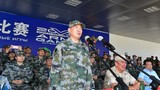 陆军政治委员刘雷上将宣布比赛开幕