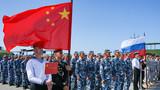 中国参赛队整齐列队参加开幕式