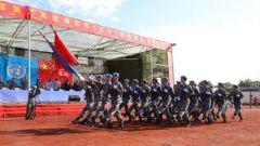 """中國赴南蘇丹(瓦烏)維和部隊331名官兵被授予""""和平勛章"""""""
