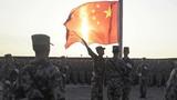 8月1日清晨,在驻训地隆重举行升国旗仪式。