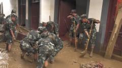 安徽宁国:武警官兵全力展开灾后救援工作