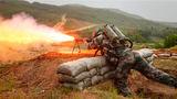 防化兵喷火射击