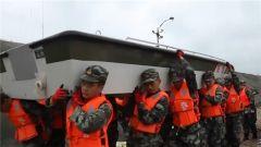 """台风""""利奇马"""":解放军和武警官兵在山东多地抢险救援"""