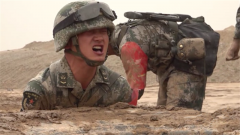 比赛未完却已放弃 班长质问拖后腿士兵:你还是不是一名军人?