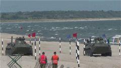 【国际军事比赛—2019】俄罗斯赛区:海上登陆项目中国参赛队获得接力赛团体第二名