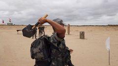 【第一军视】飞锹投掷射击排雷 侦察尖兵的十八般武艺 亮相国际赛场