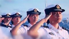 走进阅兵场 海军女兵为何穿陆军军服