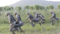 陆军第80集团军某旅:侦察兵挑战体能极限