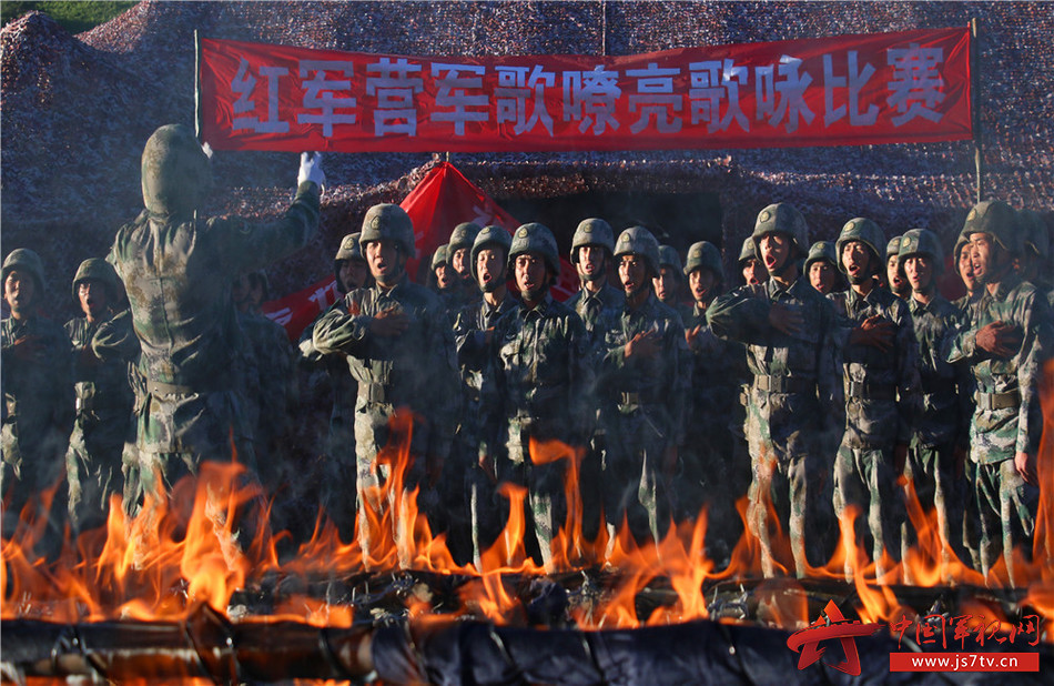 火力连官兵将战术背景融入合唱