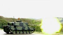 硬碰硬的較量 穿甲彈與坦克的巔峰對決