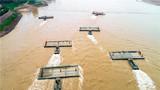 桥节门桥向指定水域行进