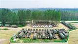排放整齐的装备车场