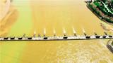 浮桥横跨黄河两岸