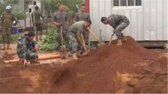 非洲马里 我维和工兵分队紧急救援友军营区塌陷