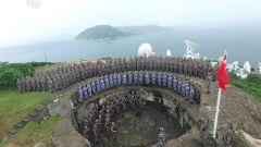 驻香港部队雨中升旗 彰显履行使命信心能力