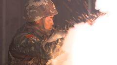 """【第一军视】拆弹训练大揭秘  """"魔鬼""""队长的特殊考验让队员心惊肉跳"""