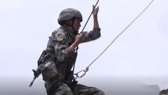 兵哥练到崩溃?来看高原特种兵的崖壁攀登训练