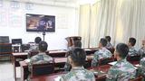 组织官兵观看红色电影