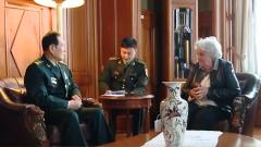 乌拉圭副总统托波兰斯基会见魏凤和