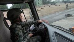 累计行驶6000余公里 高原运输女兵这样练成
