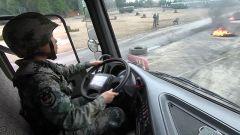 【第一军视】5天4夜 高原运输女兵川藏线上练就过硬车技