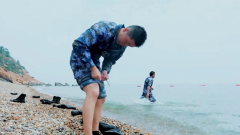 衣服湿透 游泳阻力变大 兵哥哥这一招很实用
