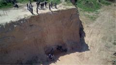 悬崖垂直力量不足 特战女兵多番训练准备攀登考核