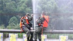 网络名人与媒体记者走进联勤保障部队某输油管线团