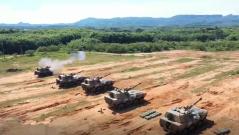 陆军第74集团军:多型武器实弹考核 检验炮兵分队综合火力打击效能