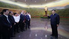 习近平在视察北京香山革命纪念地时强调 不忘初心牢记使命锐意进取 满怀信心继续把新中国巩固好发展好