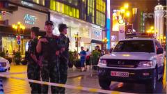 武警官兵中秋执勤保安全 重庆:巡逻解放碑 过节不休息