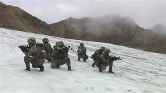海拔5000米 侦察兵跨越冰川机动渗透