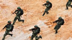 来宾支队:强化重点科目训练  锻造反恐利刃