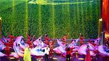9月17日,由重庆市退役军人事务局主办,重庆市军队离退休干部服务管理中心承办的重庆市军休干部庆祝新中国成立70周年文艺汇演在南岸区施光南大剧院隆重举行。图为歌舞《我和我的祖国》。