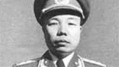 """文武纵横的""""娃娃将军""""——萧华"""