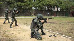 武警岳阳支队开展基层应急班多课目检验考核