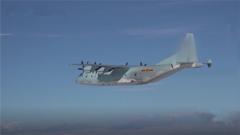 30秒紧急调整 机组人员默契配合完美完成重装空投