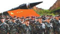 导弹官兵和琪:普米族受阅第一人