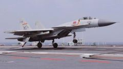 """4年5次受閱的中國""""飛鯊""""——記海軍艦載航空兵某部"""