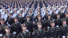 【第一軍視】目光堅定整齊劃一 閱兵訓練場上女兵方隊美爆了!