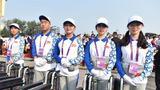 10月1日上午,庆祝中华人民共和国成立70周年大会在北京天安门广场隆重举行。这是工作人员准备就绪。 新华社记者 觉果 摄