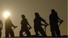 """无言坚守换来了震天巨响 """"消失的兵团""""沙漠中为""""两弹一星""""事业建起基地"""