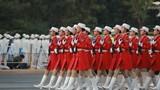 直击2019大阅兵,中国军视网记者带您看现场。这是女民兵方队的阅兵前准备。